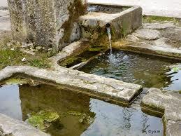 La Fontaine des fables.  La fourmi et la cigale images1