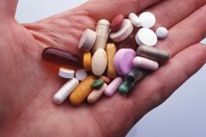 Le prescriptif                 Ceci est un médicament  dans 0.3.5EME AP medicaments-300x200